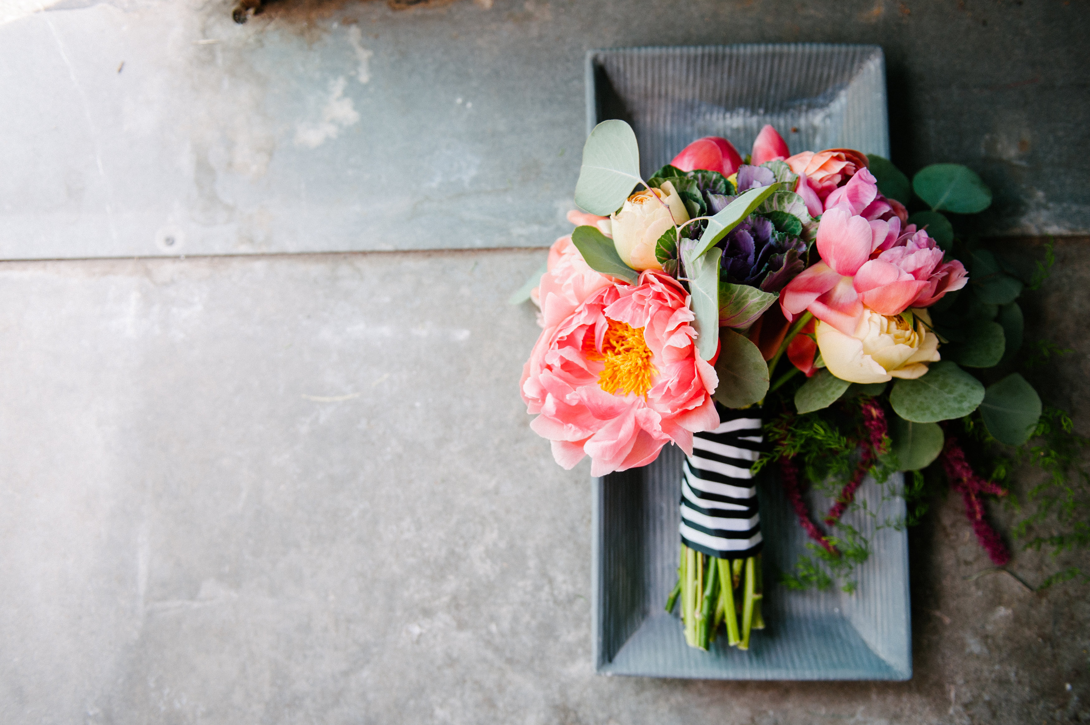 How To Make A Colorful Oversized Wedding Bouquet - BridalPulse