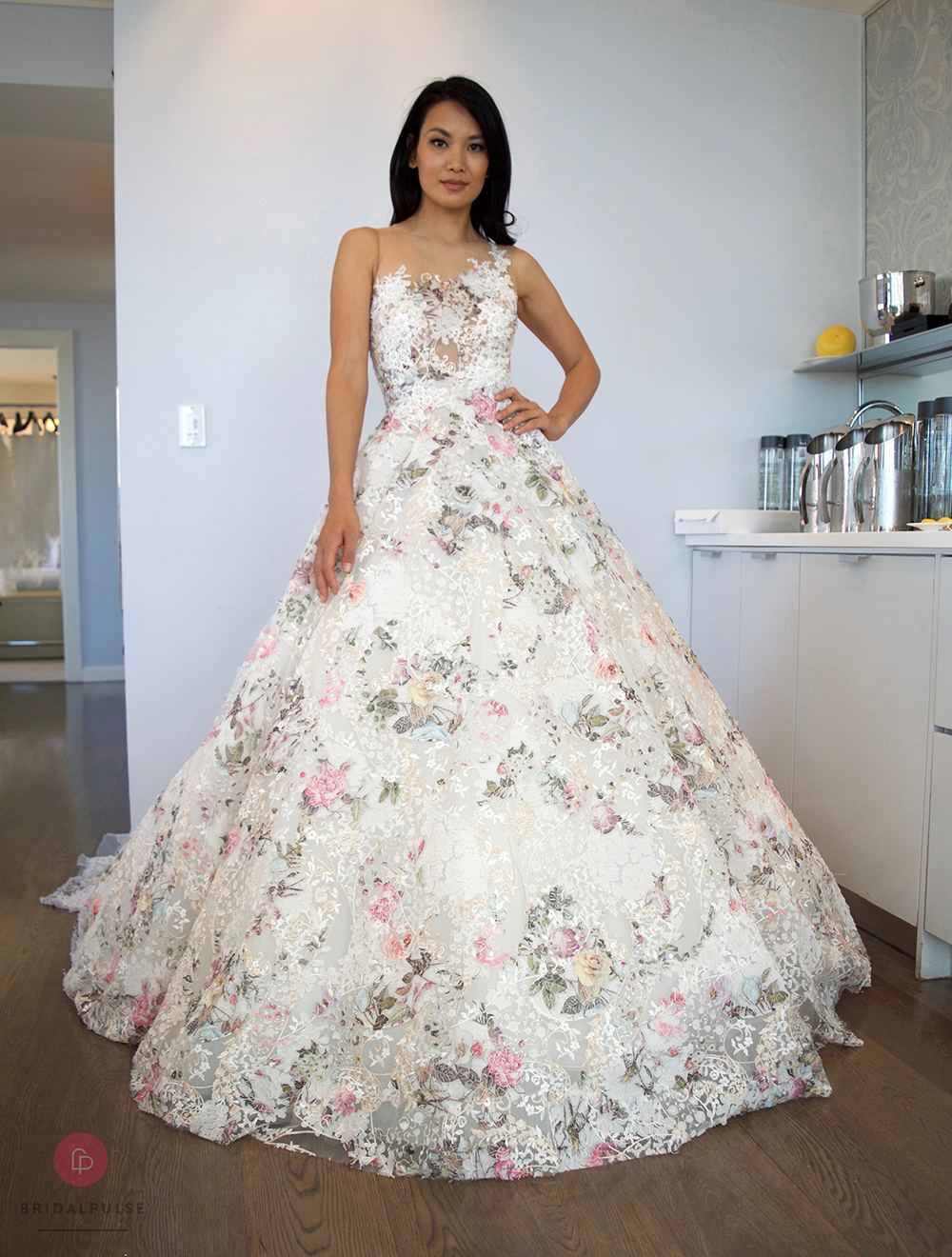 The top wedding dress trends from new york bridal fashion for New york wedding dresses online