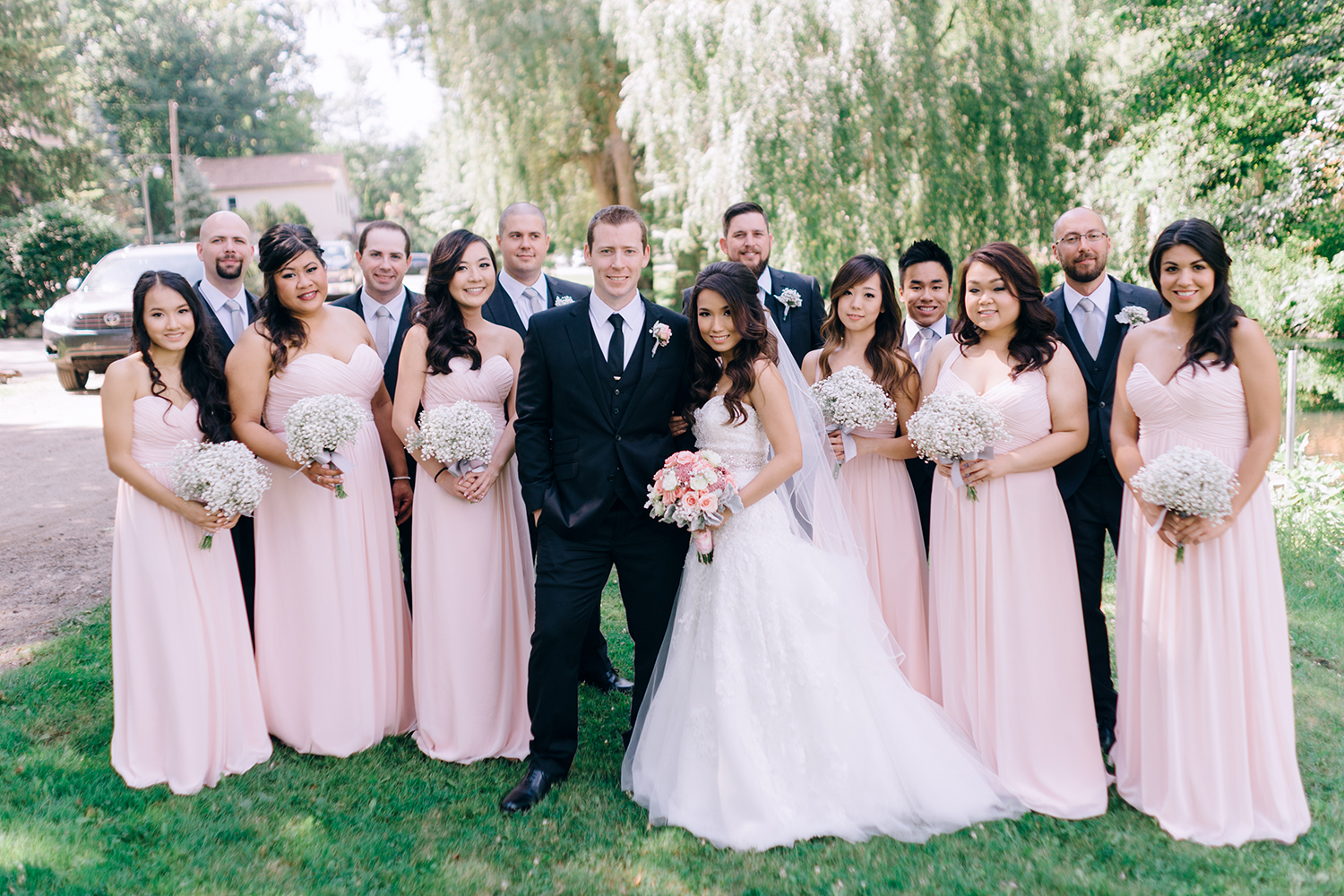 bride groom and bridal party