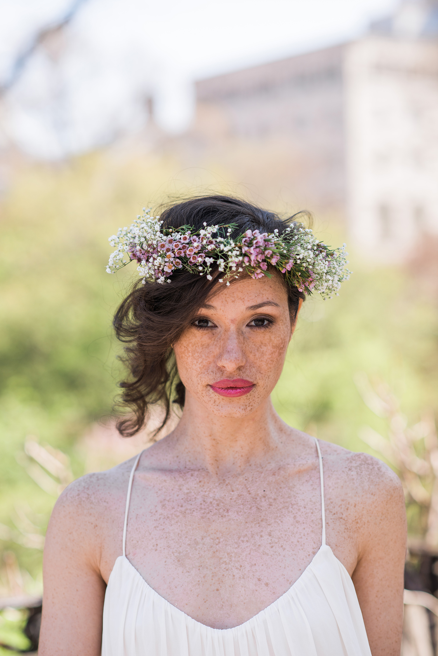 Spring flower crown for the rustic bride by stellar style events if youre looking for some more floral crown inspiration be sure to check our flower crown ideas for the boho chic bride the romantic bride izmirmasajfo