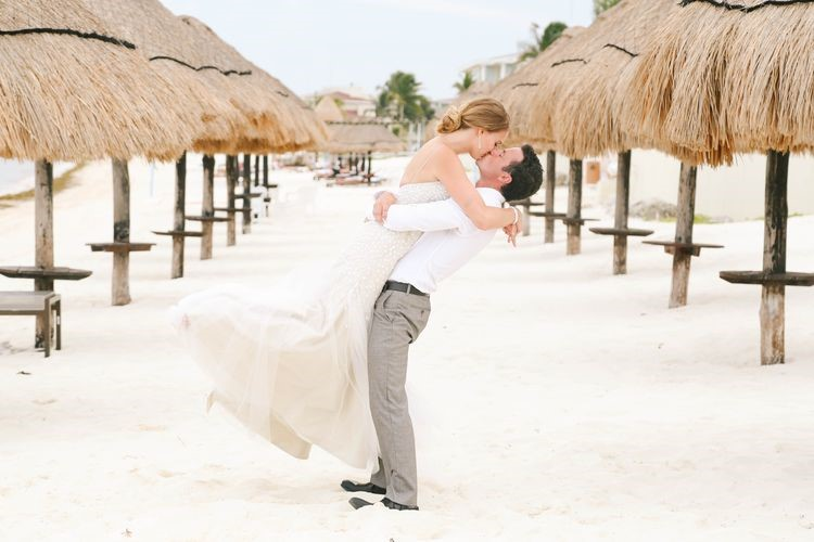 Destination Wedding Etiquette 8 Tips For You And Your Guests