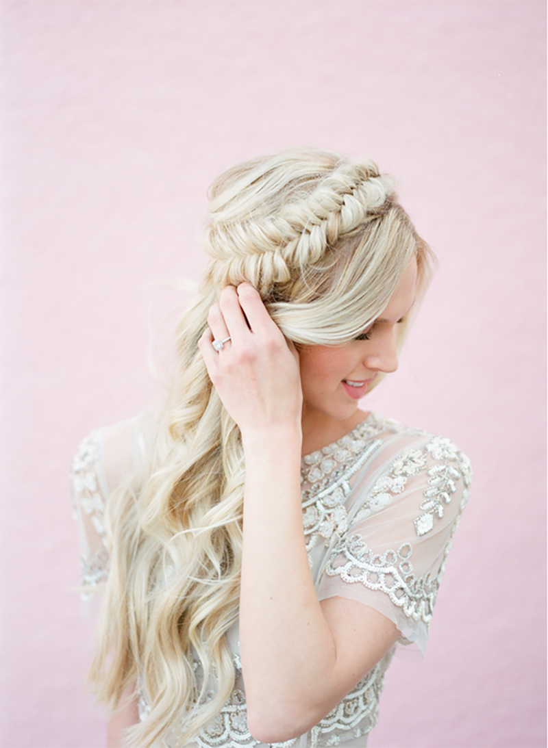 BridalPulse - 20 Gorgeous Wedding Hairstyles for a Summer Wedding |Hair by Malorie Avaline; Photo by Amanda Watson; Via Inspired By This