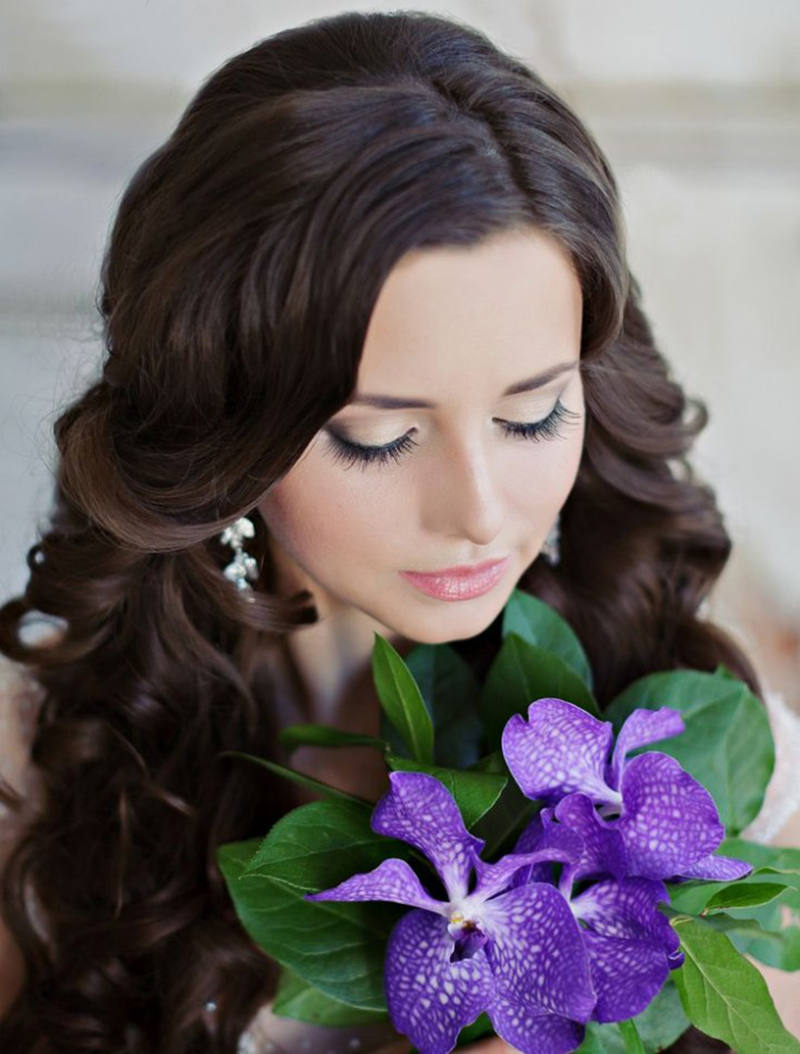 BridalPulse - 20 Gorgeous Wedding Hairstyles for a Summer Wedding |Image by Liliya Fadeeva via Websalon Wedding