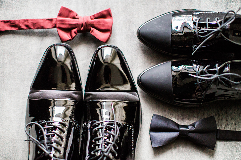 groomsmen shoes and bow tie for los angeles wedding