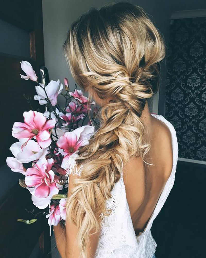 BridalPulse - 20 Gorgeous Wedding Hairstyles for a Summer Wedding