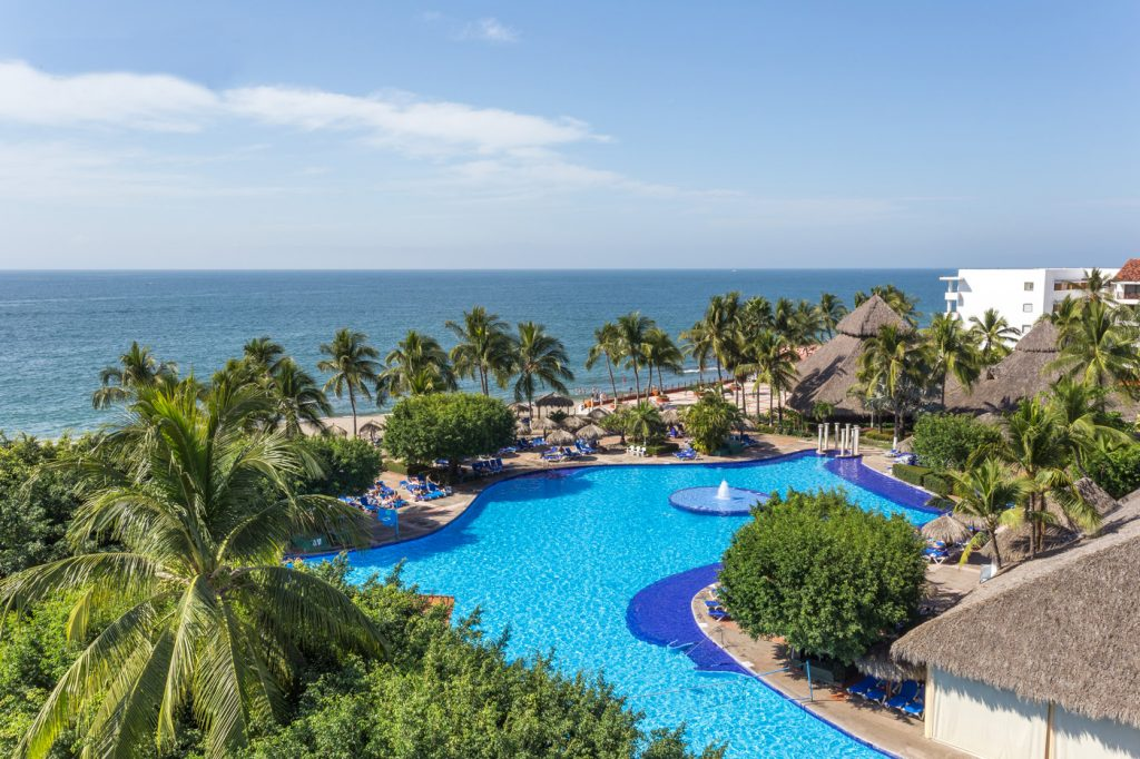 BridalPulse - Top Ten Mini-Moon Destinations | mini honeymoon puerto vallarta mexico