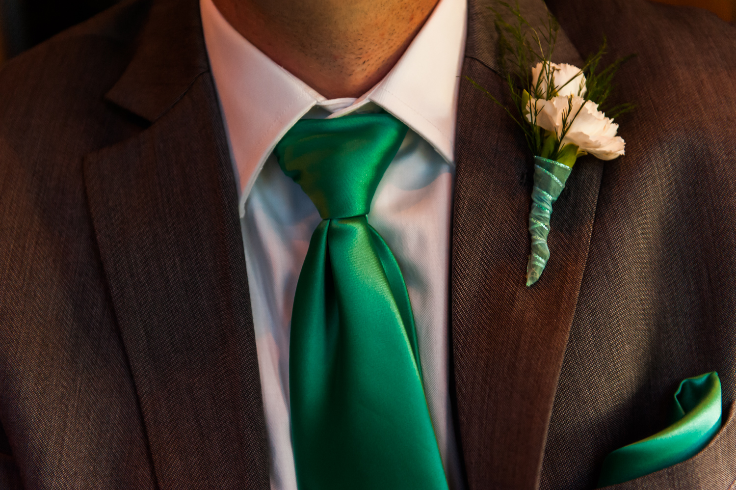 BridalPulse - An Outdoor Vineyard Wedding in NC By Rent My Wedding | groom with green tie