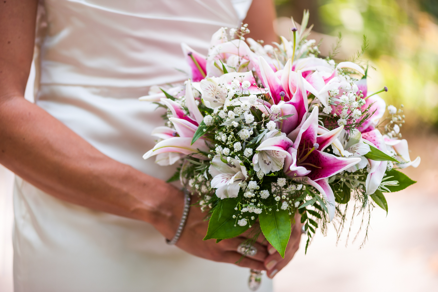 BridalPulse - An Outdoor Vineyard Wedding in NC By Rent My Wedding | bridal bouquet with lilies