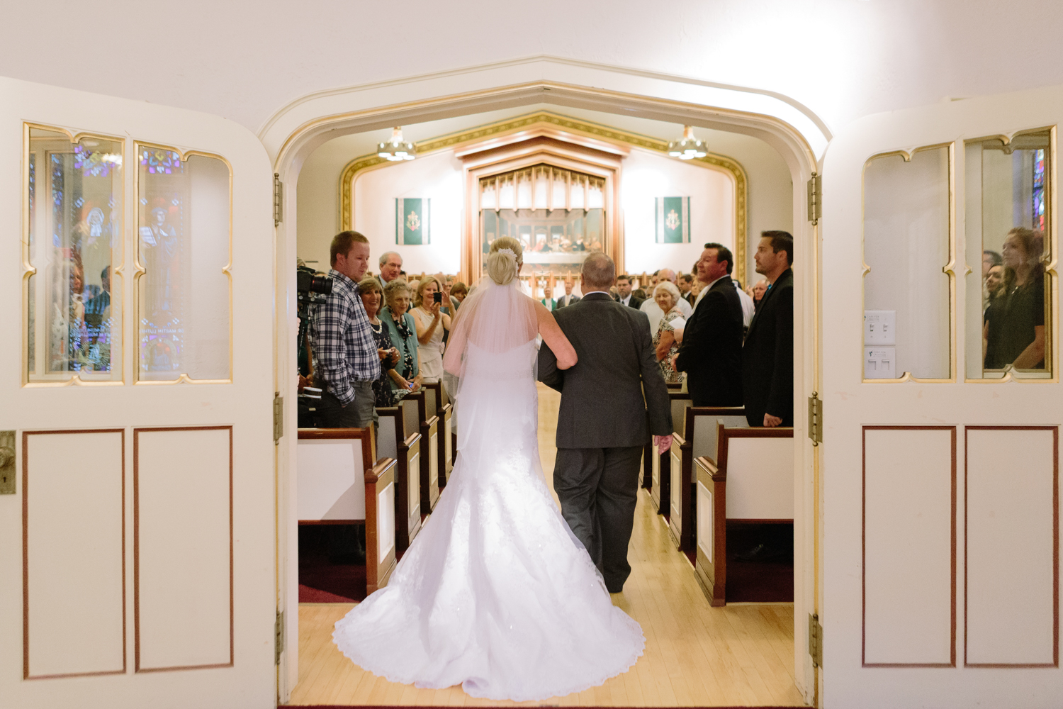 BridalPulse - Golf Lovers' Country Club Wedding - bride walking down the aisle with father