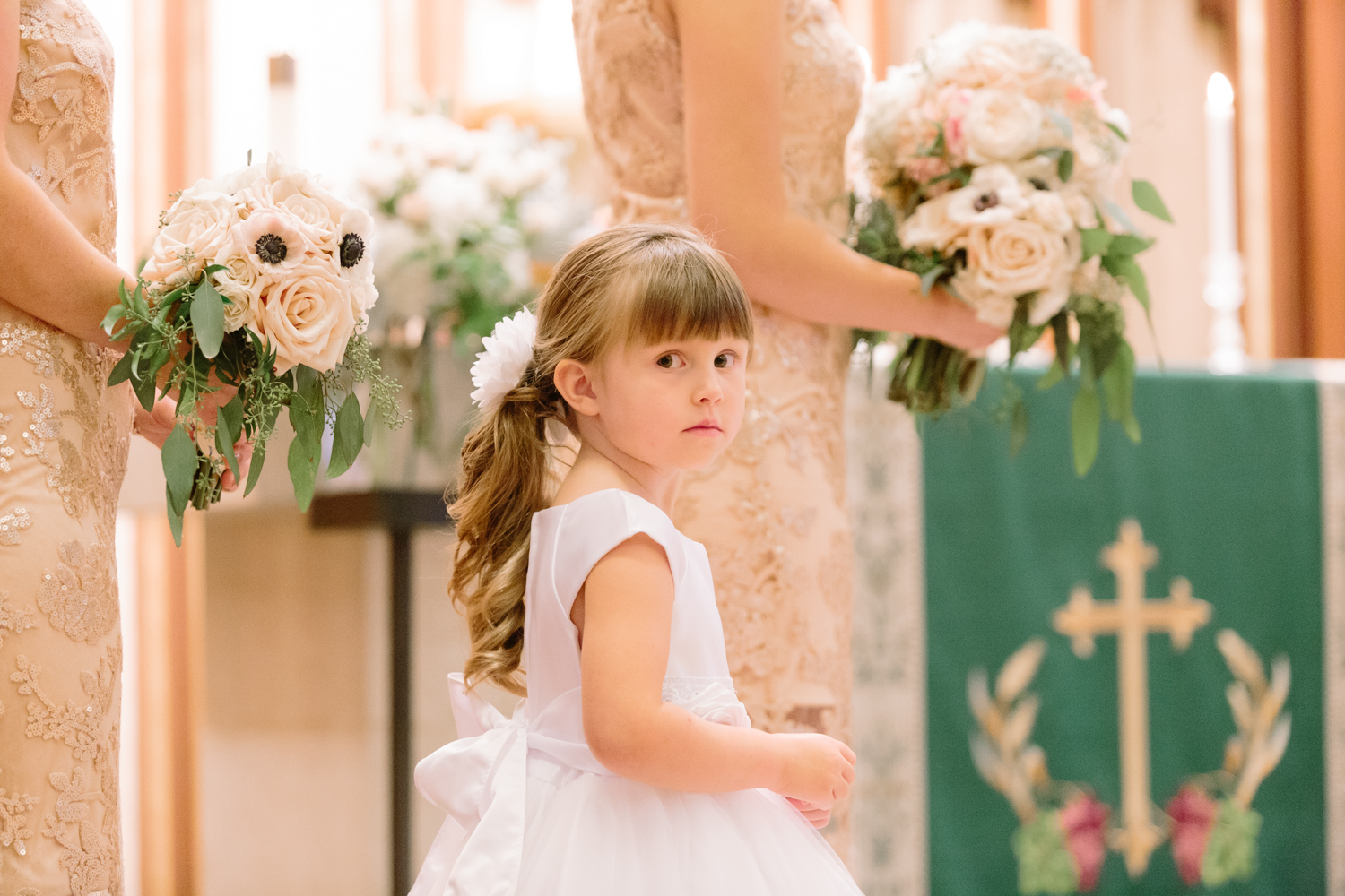 BridalPulse - Golf Lovers' Country Club Wedding - flower girl