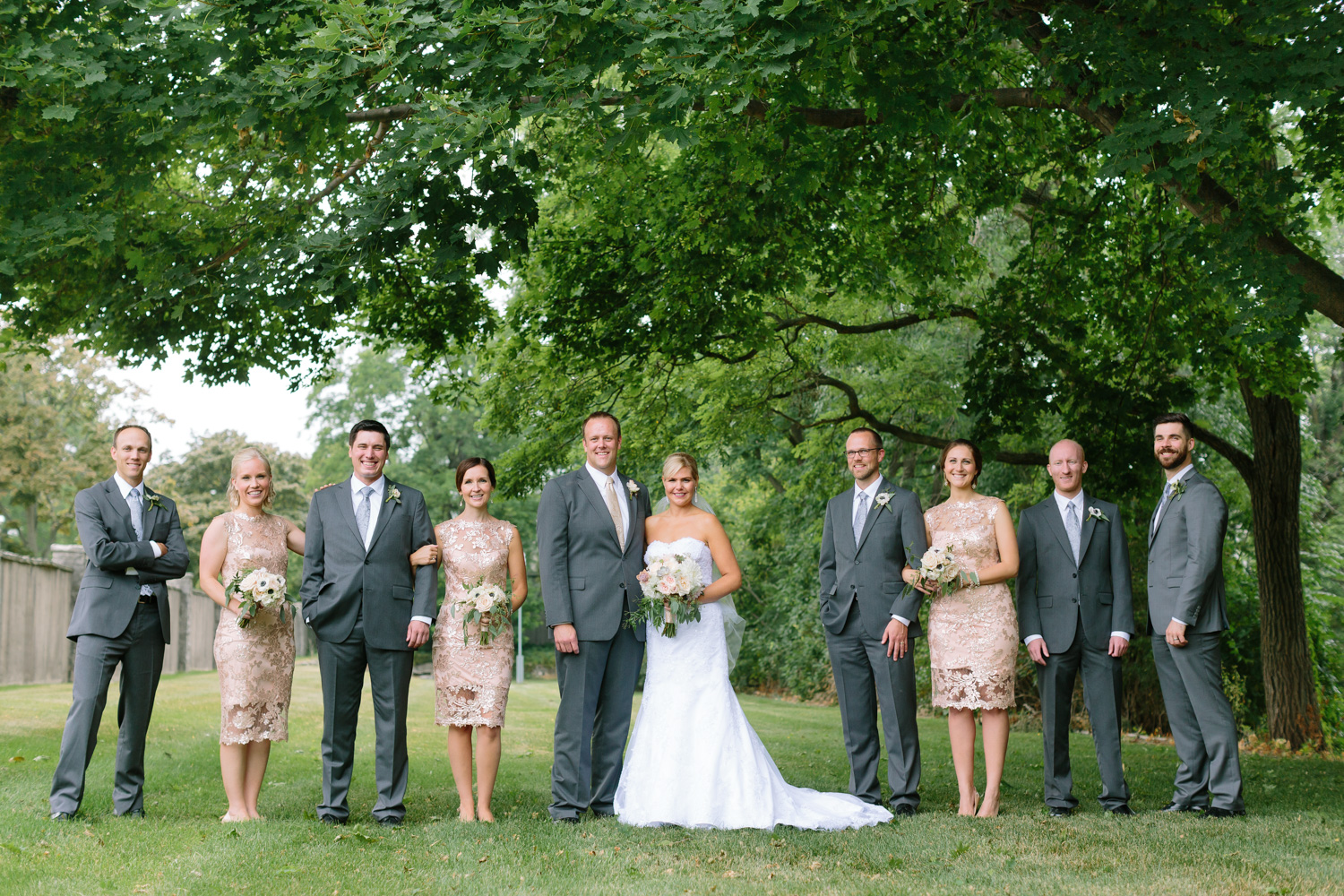 BridalPulse - Golf Lovers' Country Club Wedding - bride groom and bridal party