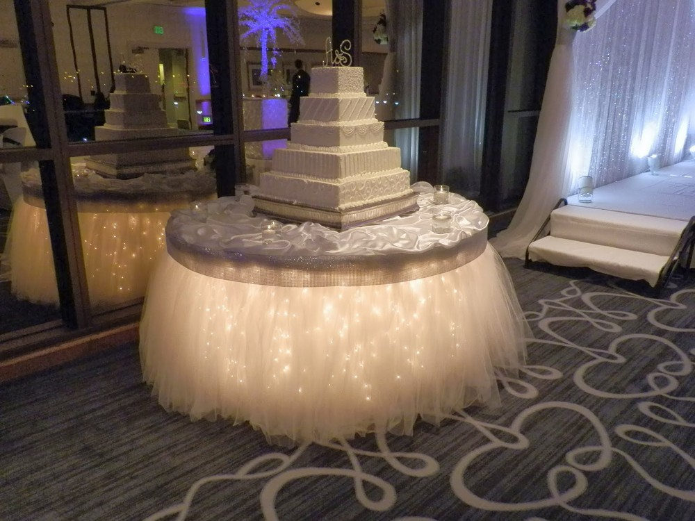 BridalPulse - How to Create Uplighting for Your Wedding - Table Glow effects for a wedding cake table- SBD Events