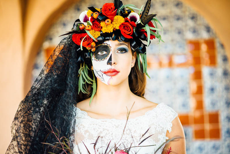 THIS DAY OF THE DEAD WEDDING WILL INSPIRE YOU TO HAVE A HALLOWEEN ...