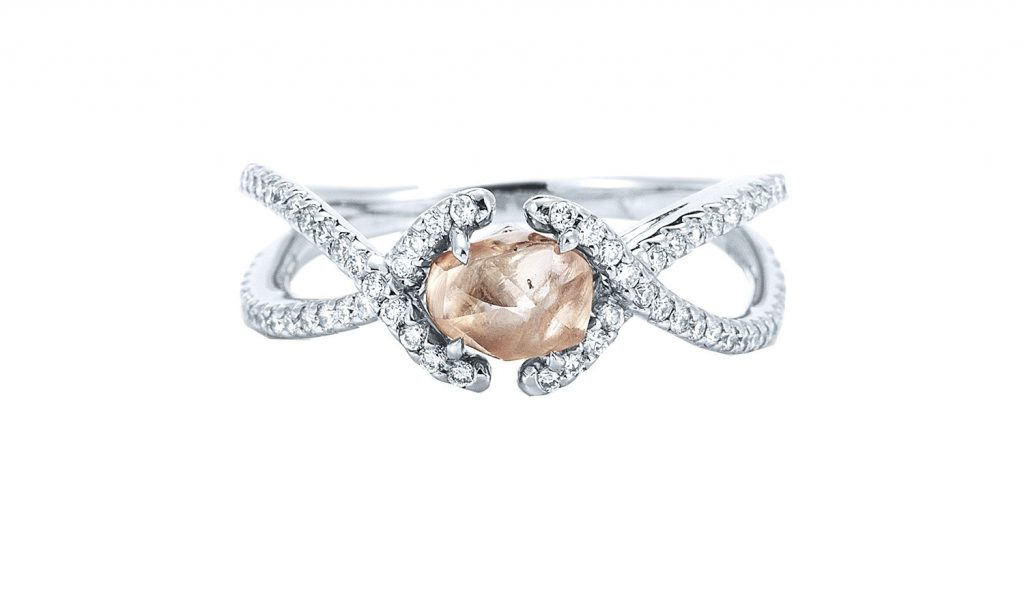 Engagement Ring Shopping: Expert Tips To Read Before The Store