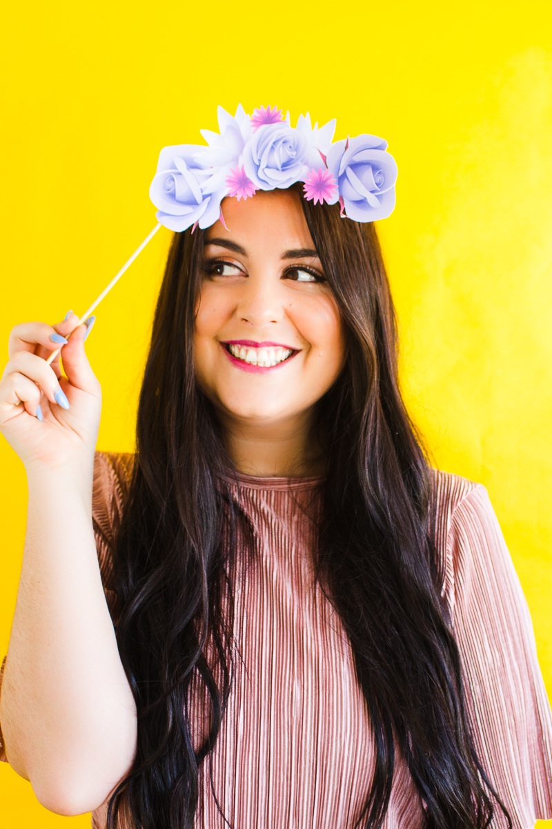 Print These Super Pretty Flower Crown Props For Your Photo Booth