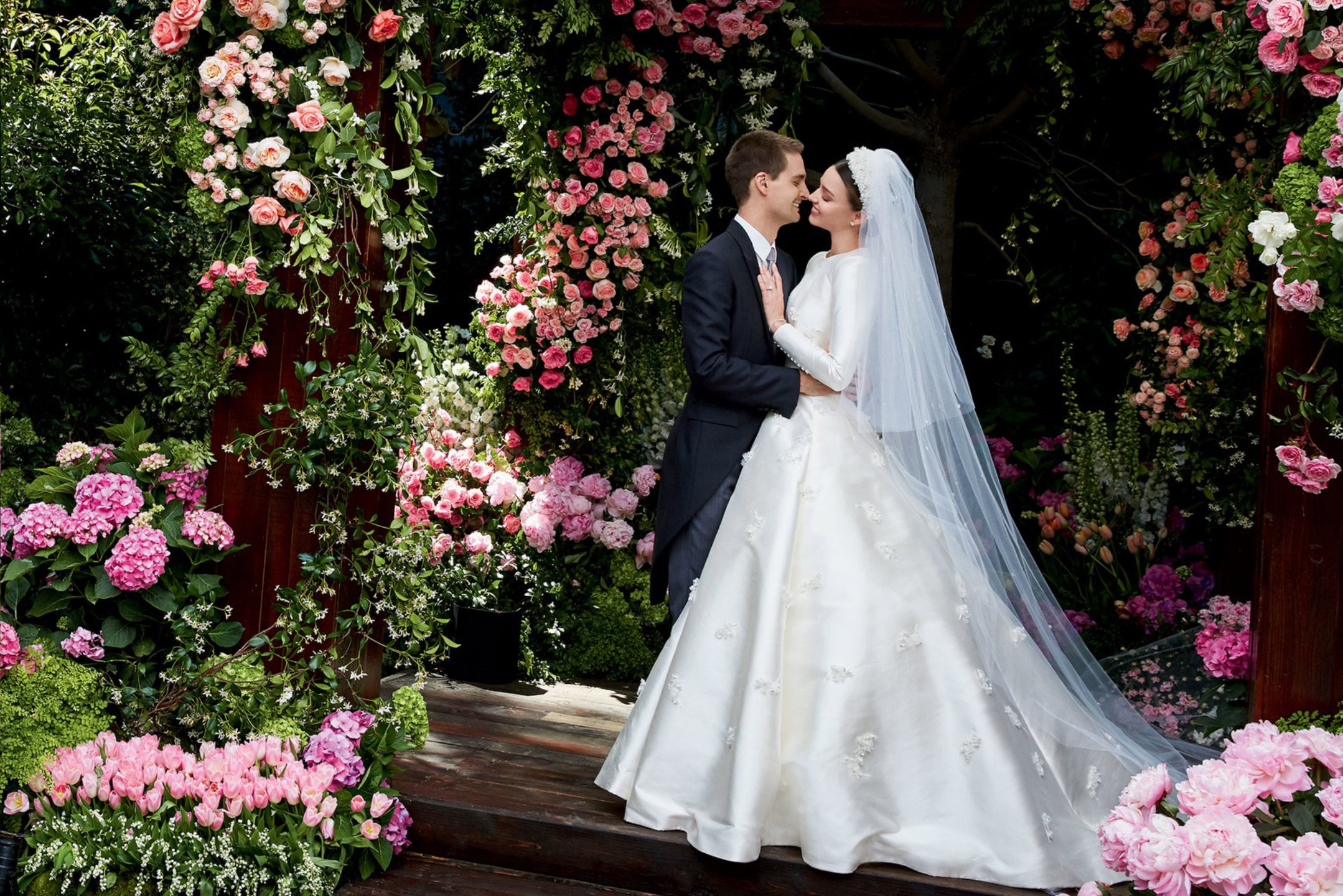 Miranda Kerr Stuns In A Custom Dior Wedding Gown Bridalpulse
