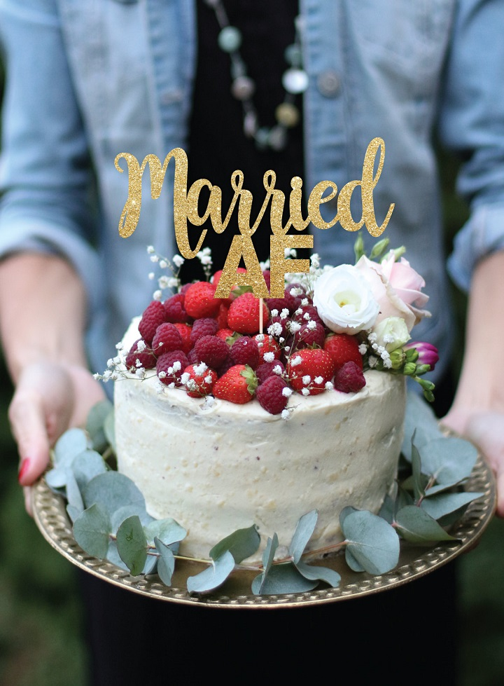BridalPulse: The Most Creative Anniversary Cake Toppers On Etsy | Photography by: Etsy | Follow @BridalPulse for more wedding inspiration!