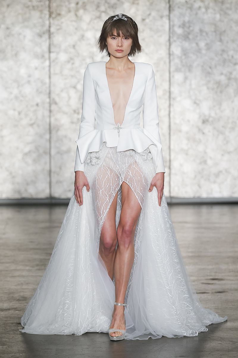 BridalPulse: The 5 Biggest Trends From Bridal Fashion Week Fall 2018 | Photo: Inbal Dror | Follow @bridalpulse for more wedding inspiration!