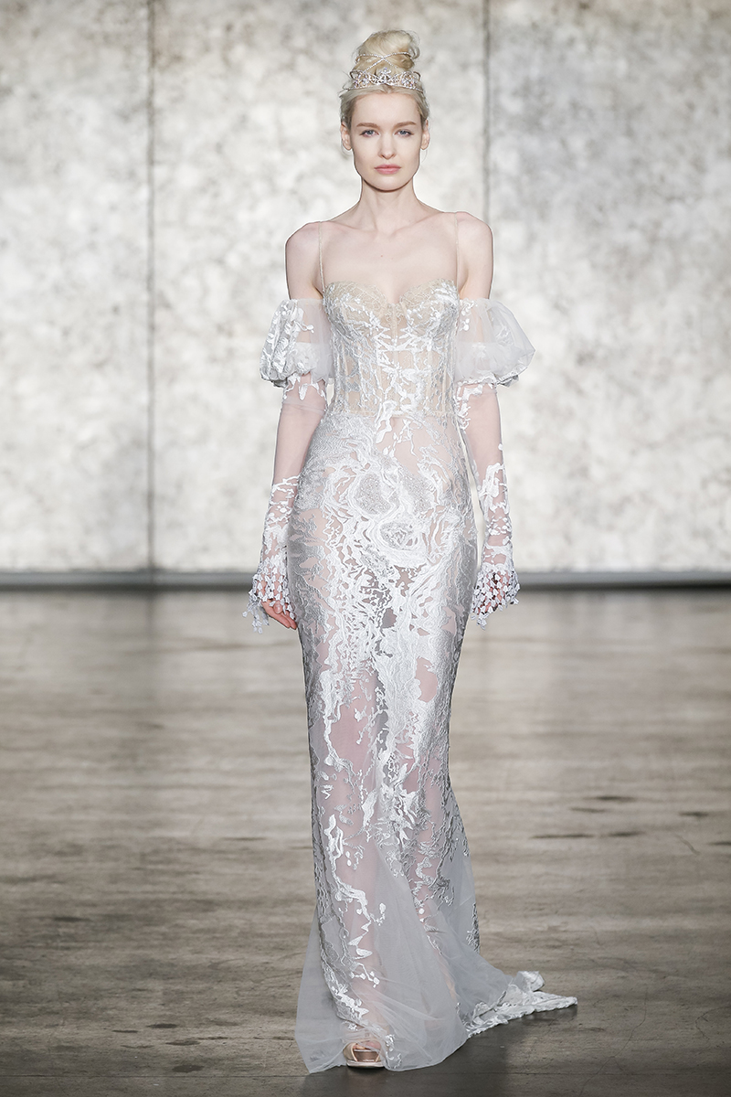 BriidalPulse: The 5 Biggest Trends From Bridal Fashion Week Fall 2018 | Photo: Inbal Dror | Follow @bridalpulse for more wedding inspiration!