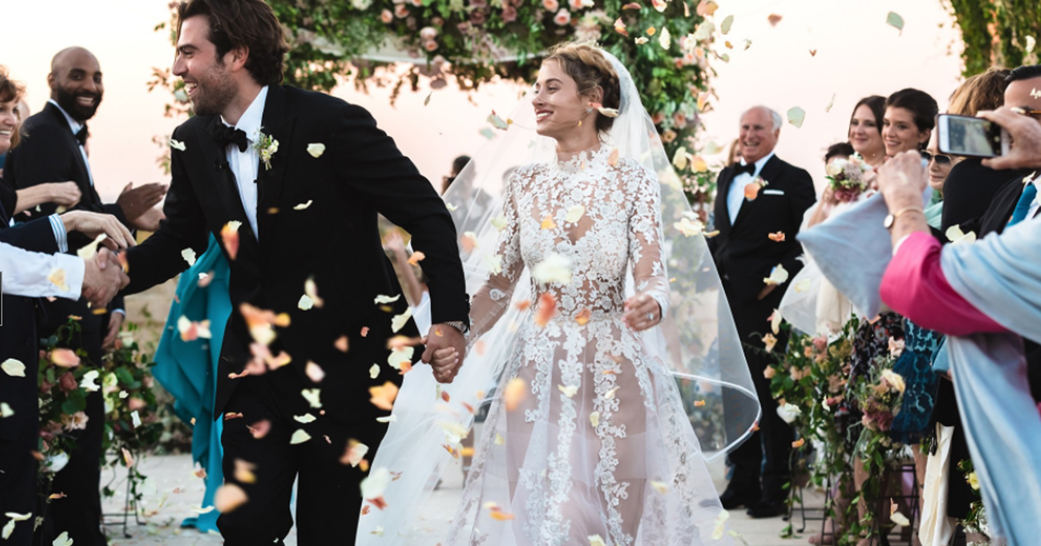 This brides reem acra wedding dress is what dreams are made of this brides reem acra wedding dress is what dreams are made of junglespirit Gallery