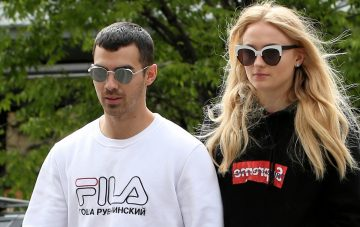 BridalPulse: Joe Jonas Proposes to Sophie Turner With a Stunning Engagement Ring | Photo: Splash News | Follow @bridalpulse for more wedding inspiration!