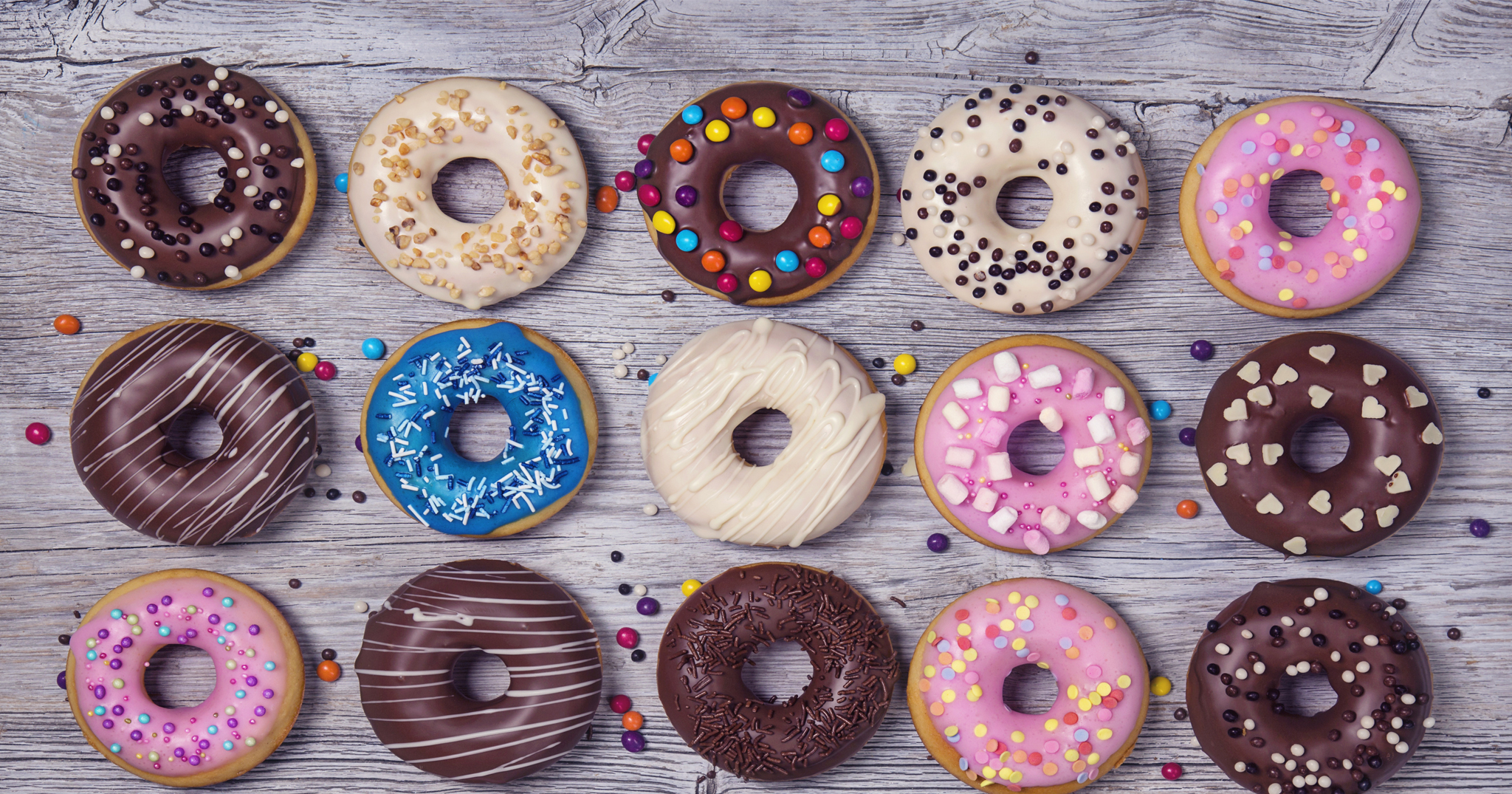 BridalPulse: 8 Reasons You Need A Doughnut Wall At Your Wedding | Photo: iStock | Follow @bridalpulse for more wedding inspiration!