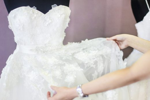 BridalPulse: 10 Things All Brides-to-Be Understand When Wedding Dress Shopping, As Explained In Gifs   Photo: iStock  