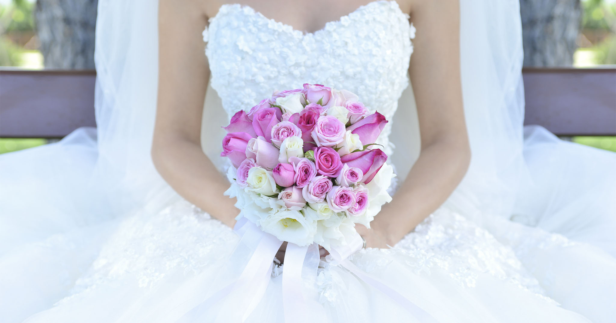BridalPulse: The Bridal Sale of the Year: The National Bridal Indoor Sidewalk Sale is Happening November 17th   Photo: iStock   Follow @bridalpulse for more wedding inspiration!