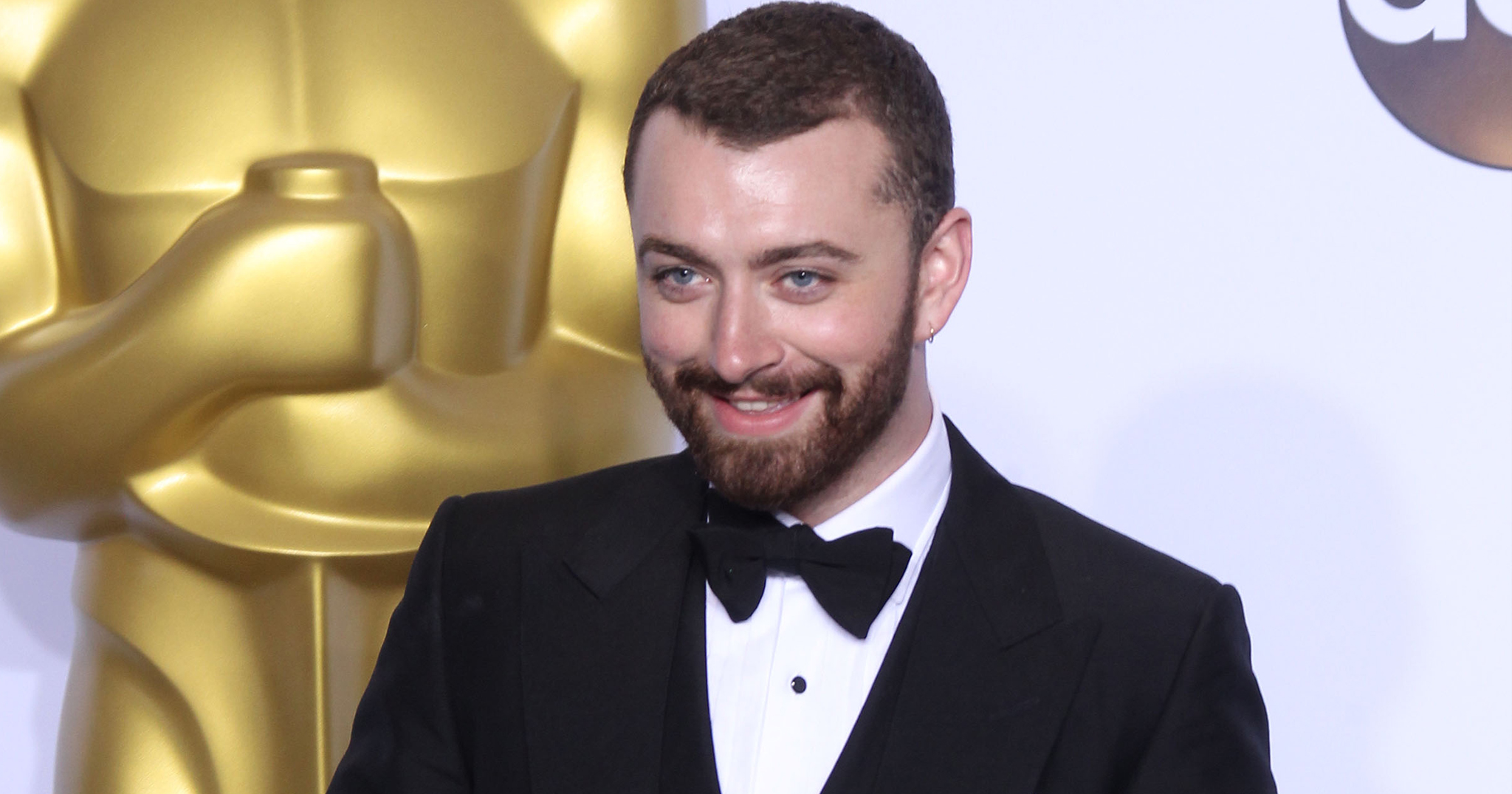 BridalPulse: What Would Do If Sam Smith Crashed Your Wedding? | Photo: Splash News | Follow @bridalpulse for more wedding inspiration!