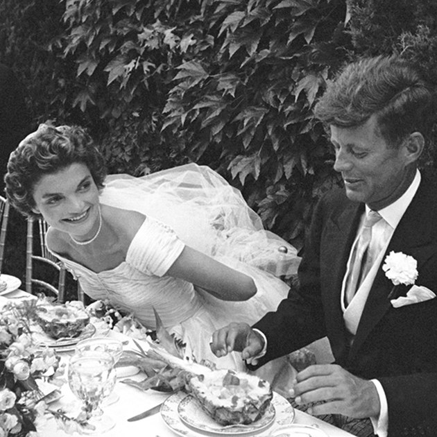 25 of the most iconic celebrity wedding photos ever page 2 of 20 25 of the most iconic celebrity wedding photos ever junglespirit Choice Image