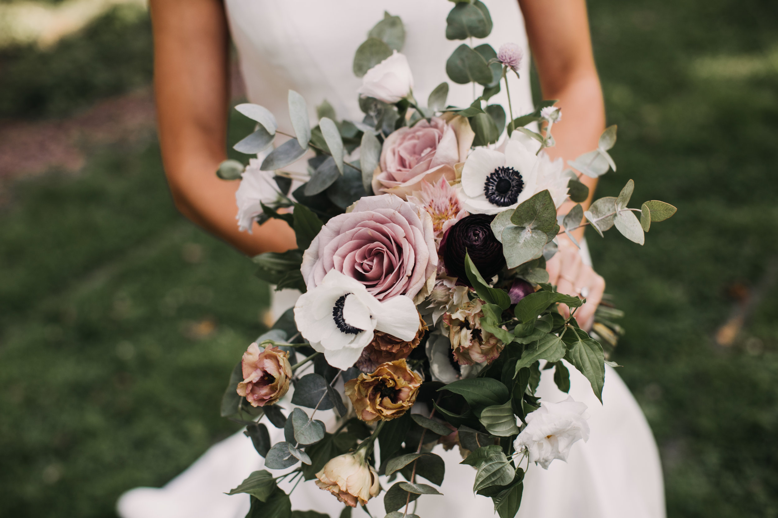 Big Wedding Bouquets Are 2018s Trend To Watch Bridalpulse