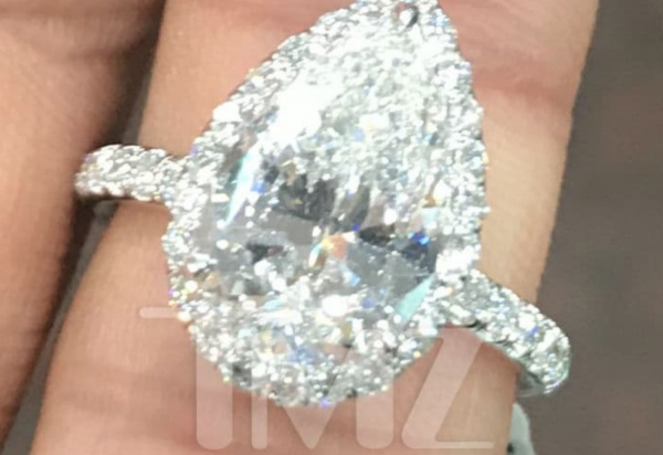 ariana grande's engagement ring